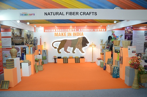 image of Thematic Display of Indian Handicrafts & Handlooms at Make In India Week organized at MMRDA Ground, Mumbai from 13th - 18th January, 2016.